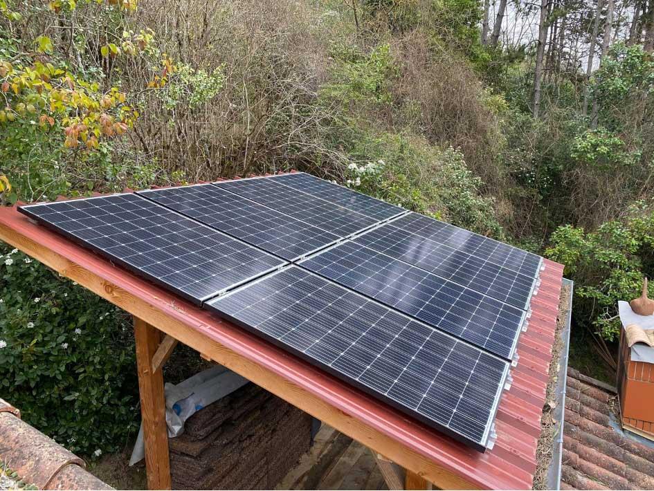Pose de panneaux photovoltaïque sur un appenti à Moissac 47