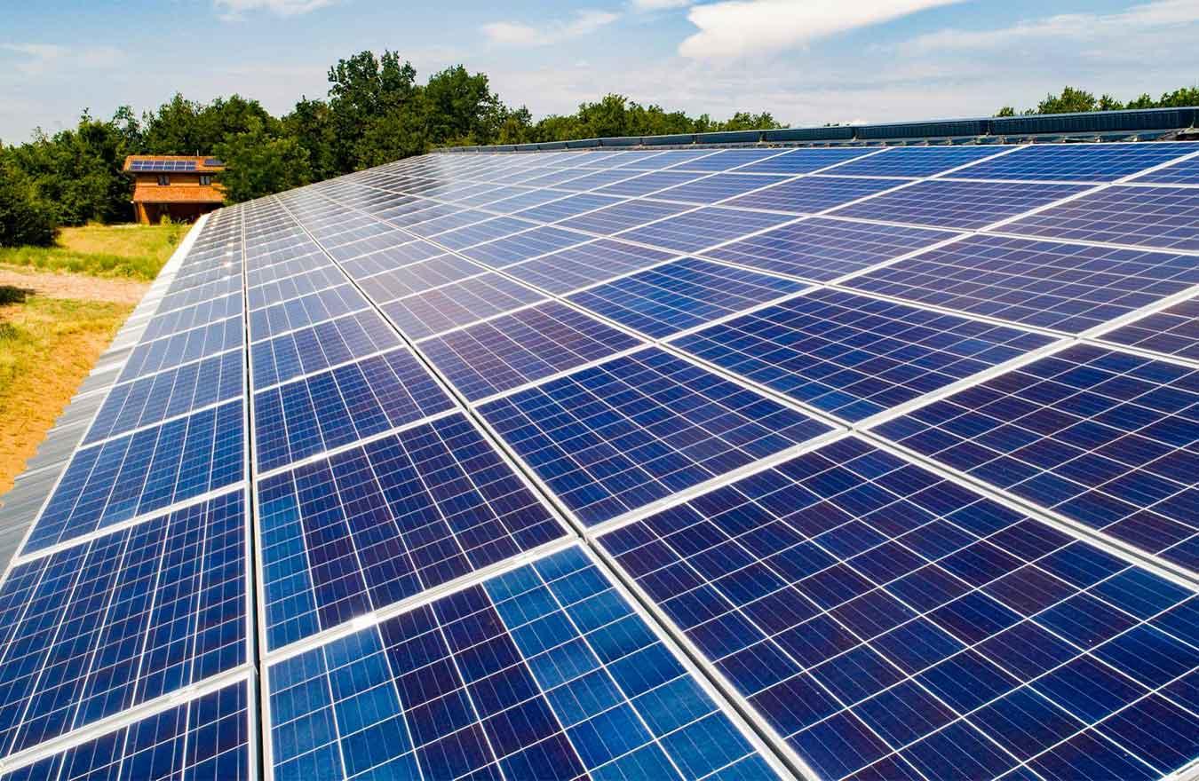 réfection de toiture pour les pros dans le lot et garonne avec du panneau solaire